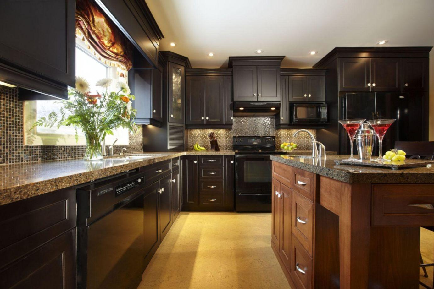 60 Beautiful Kitchens Ideas With Black Granite   ROUNDECOR