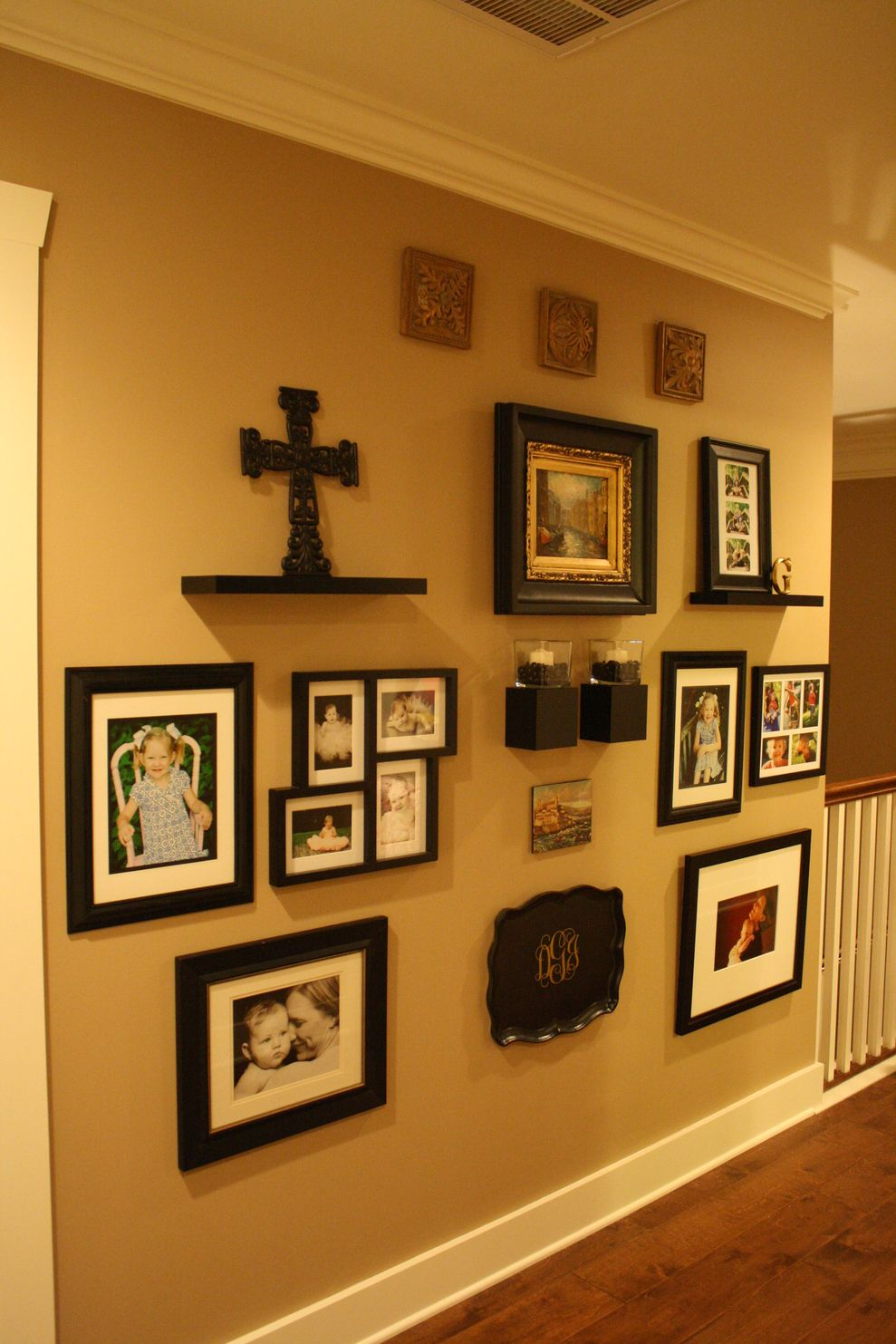 Cool decorating ideas for large living room wall 26