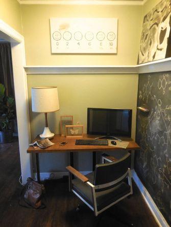 71 Creative Ideas Hiding A TV In The Living Room - Round Decor