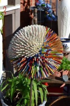 Cute and cool garden art for kids design ideas 23