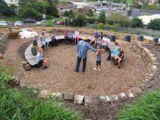 Cute and simple school garden design ideas 15