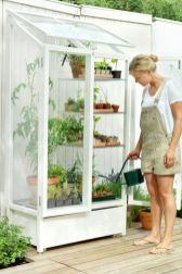 Cute and simple tiny patio garden ideas 03