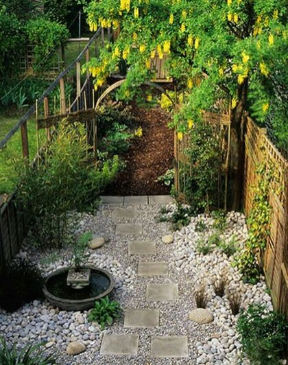 Cute and simple tiny patio garden ideas 16