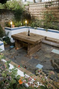Cute and simple tiny patio garden ideas 18