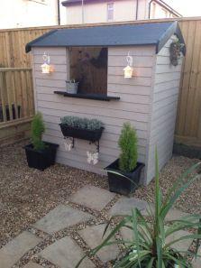 Cute and simple tiny patio garden ideas 38