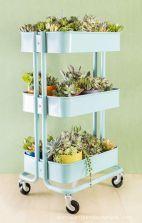Cute and simple tiny patio garden ideas 43