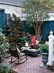 Cute and simple tiny patio garden ideas 56