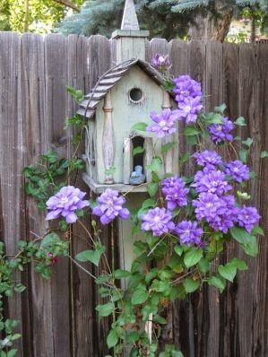 Cute and simple tiny patio garden ideas 60