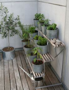 Cute and simple tiny patio garden ideas 63