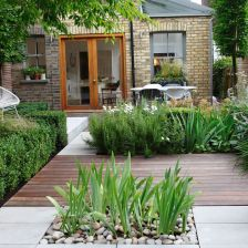 Cute and simple tiny patio garden ideas 64