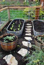 Cute and simple tiny patio garden ideas 74