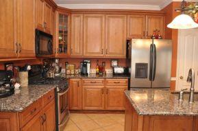 Inspiring black quartz kitchen countertops ideas 01