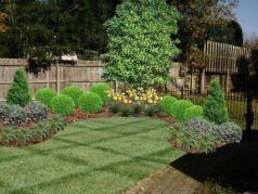 Inspiring small front garden ideas on a budget 34