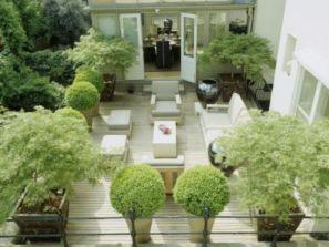 Inspiring small front garden ideas on a budget 43