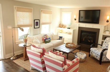 Simple living room design ideas with tv 09