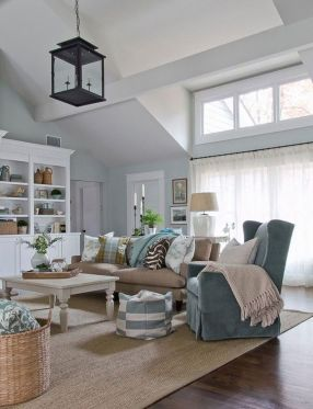 Simple and comfortable living room ideas 19
