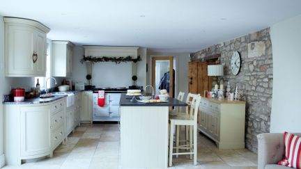 Stunning christmas decorating ideas for the kitchen 23