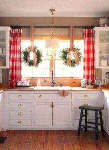 Stunning christmas decorating ideas for the kitchen 25