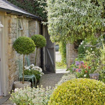Stunning garden design ideas with stones 15