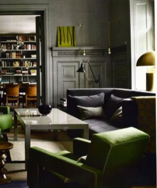 Stylish dark green walls in living room design ideas 06