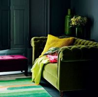 Stylish dark green walls in living room design ideas 13