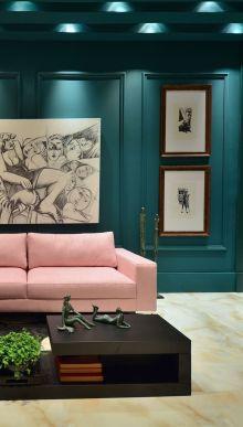 Stylish dark green walls in living room design ideas 14