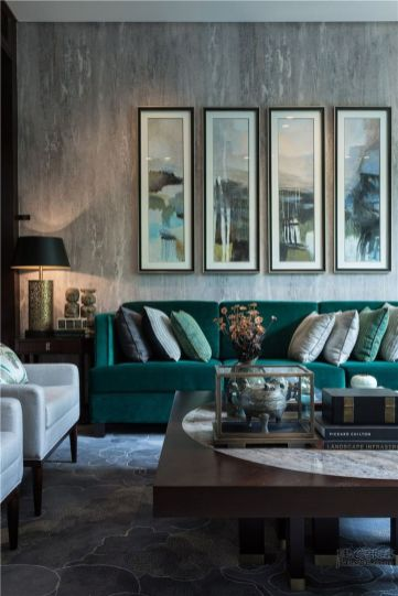 Stylish dark green walls in living room design ideas 23