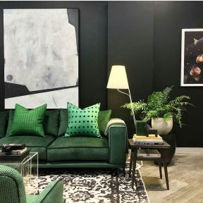 Stylish dark green walls in living room design ideas 24