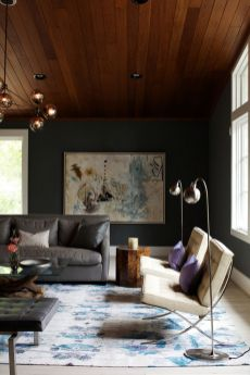 Stylish dark green walls in living room design ideas 43