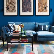 Stylish dark green walls in living room design ideas 48