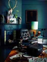 Stylish dark green walls in living room design ideas 63