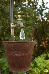 Stylish outdoor garden water fountains ideas 52