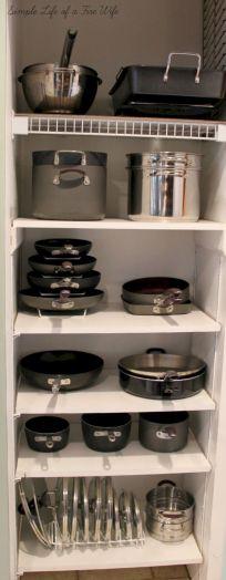 Amazing stand alone kitchen pantry design ideas (28)