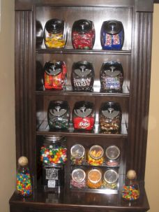Amazing stand alone kitchen pantry design ideas (39)