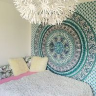 Cozy bohemian teenage girls bedroom ideas (29)