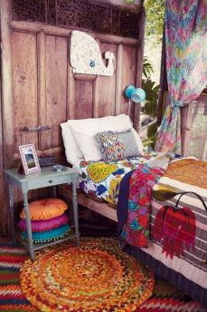 Cozy bohemian teenage girls bedroom ideas (40)