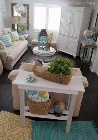 Creative diy beachy living room decor ideas (42)