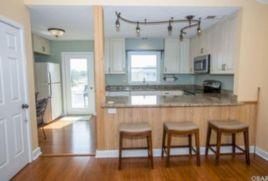 Inspiring u shaped kitchen ideas with breakfast bar (3)