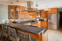 Inspiring u shaped kitchen ideas with breakfast bar (35)