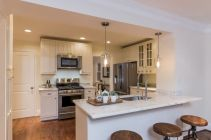Inspiring u shaped kitchen ideas with breakfast bar (46)