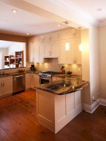Inspiring u shaped kitchen ideas with breakfast bar (52)