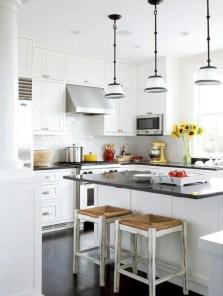 Inspiring u shaped kitchen ideas with breakfast bar (57)