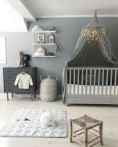 Simple baby boy nursery room design ideas (19)