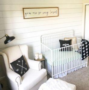 Simple baby boy nursery room design ideas (64)