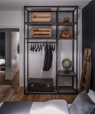 Small modern industrial apartment decoration ideas 18