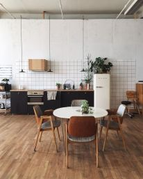 Small modern industrial apartment decoration ideas 29