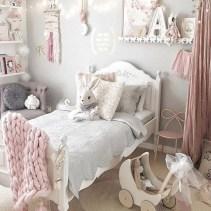 Adorable and fun christmas kids room design ideas 08