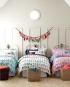 Adorable and fun christmas kids room design ideas 34