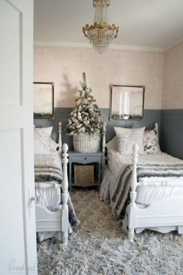 Adorable and fun christmas kids room design ideas 36