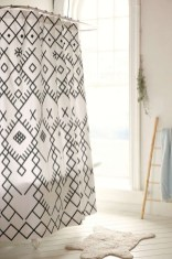 Affordable shower curtains ideas for small apartments 15
